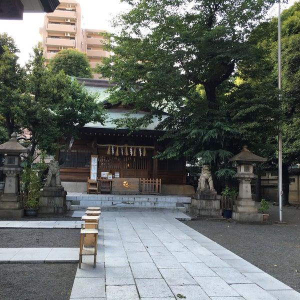 Photo taken at 大塚天祖神社 by Min Min Y. on 6/3/2016