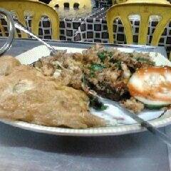 Photo taken at Restoran Pinang Sebatang by Sixth R. on 12/7/2012