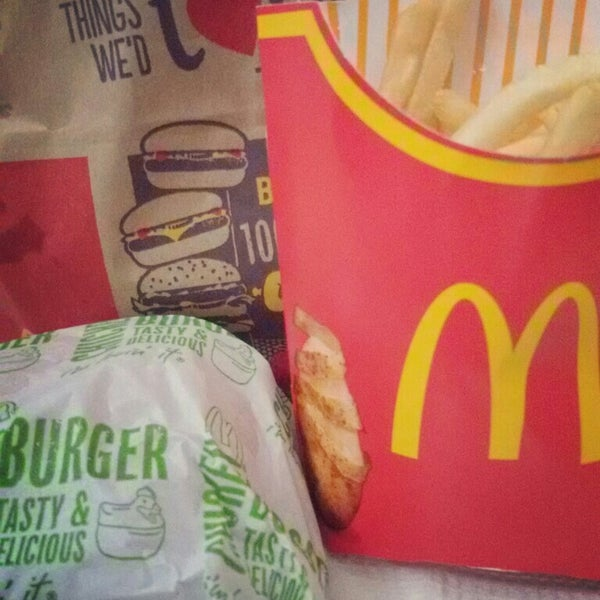 Photo taken at McDonald's by Fhy L. on 10/11/2015