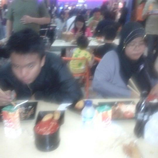 Photo taken at Bandung Trade Centre - BTC Fashion Mall by Faishal F. on 12/16/2012