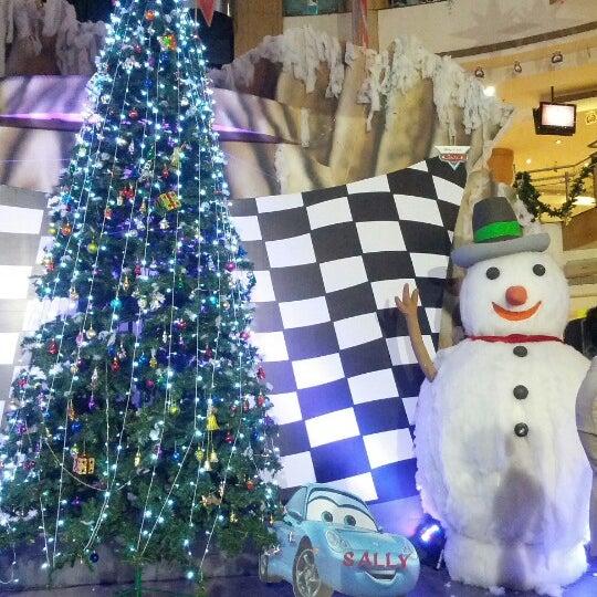 Photo taken at Inorbit Mall by Nishant V. on 12/23/2012
