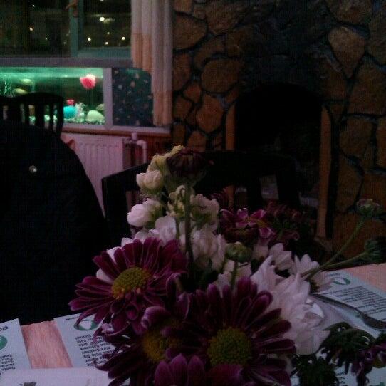 2/14/2013 tarihinde Meralziyaretçi tarafından Çamaltı Restaurant'de çekilen fotoğraf