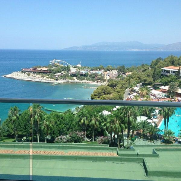 7/19/2013 tarihinde Murat A.ziyaretçi tarafından Pine Bay Holiday Resort'de çekilen fotoğraf
