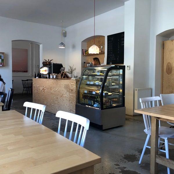 Foto diambil di Mikyna Coffee & Food Point oleh Jiří H. pada 4/28/2018