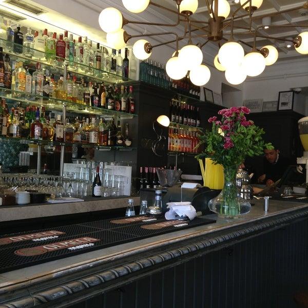 5/6/2013 tarihinde Munenori F.ziyaretçi tarafından Faros Restaurant'de çekilen fotoğraf