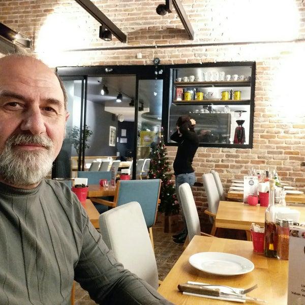 12/21/2017 tarihinde Murat D.ziyaretçi tarafından All Eatalian ( Pizza - Bakery - Breakfast )'de çekilen fotoğraf