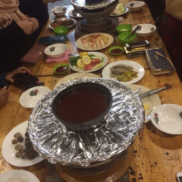Photo Taken At Dapur Arang Corner Steamboat Grill By Aiezan R On 11