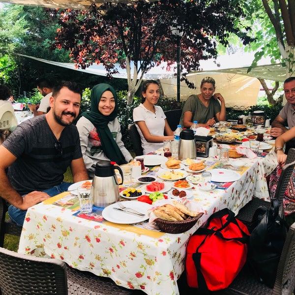 8/22/2018 tarihinde Merve G.ziyaretçi tarafından Köyüm Bahçe Restaurant'de çekilen fotoğraf