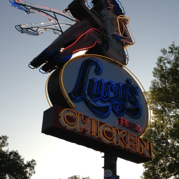 Photo taken at Lucy's Fried Chicken by hiroticks on 3/24/2013