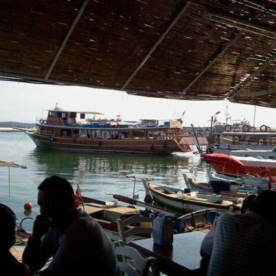 7/2/2013 tarihinde Aydın B.ziyaretçi tarafından Cunda Deniz Restaurant'de çekilen fotoğraf