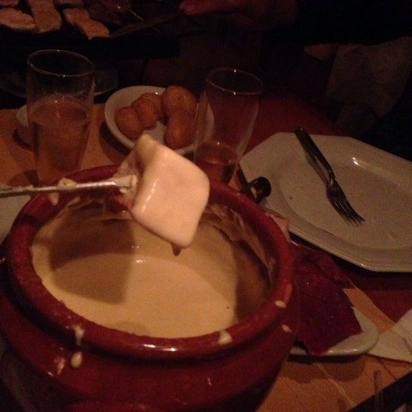 Foto tirada no(a) Restaurante Mont Vert por 'Marcos V. em 10/16/2013