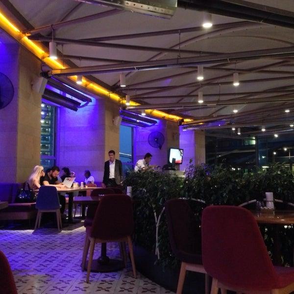 7/14/2013 tarihinde Fatma G.ziyaretçi tarafından Ve Cafe & Restaurant'de çekilen fotoğraf