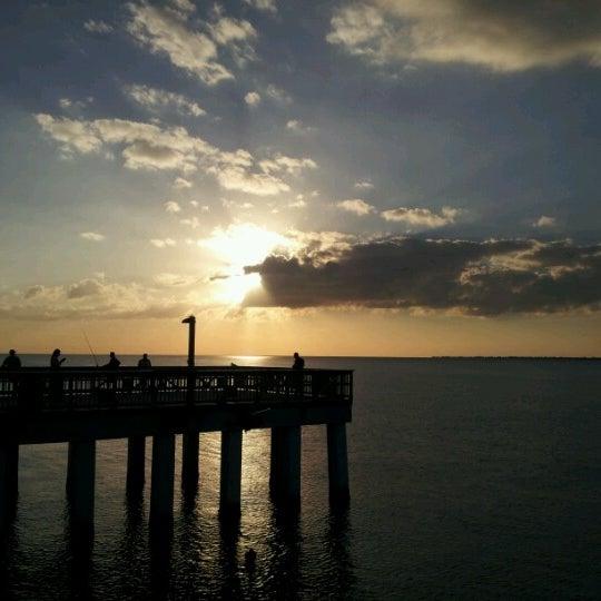 Fishing pier fort myers beach 16 tips for Pier fishing tips