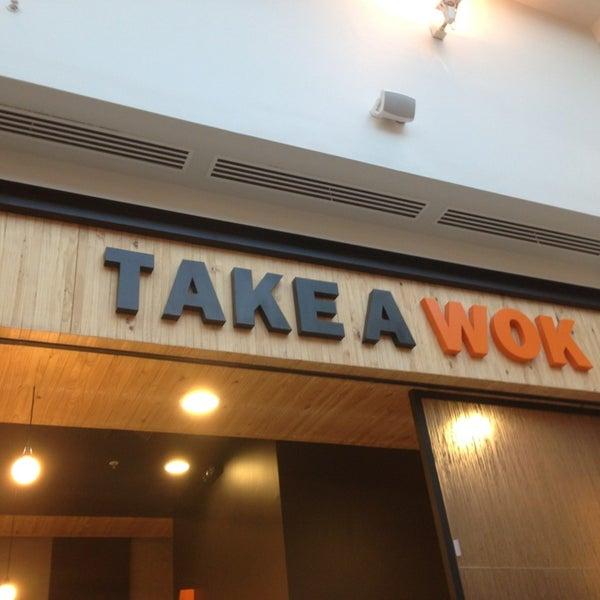 Foto tomada en Take a Wok por Adolfo V. el 3/26/2013