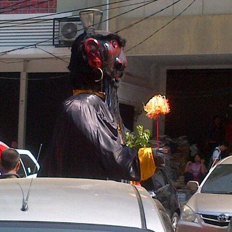 Photo taken at Pasar Asemka by Rika K. on 9/1/2013