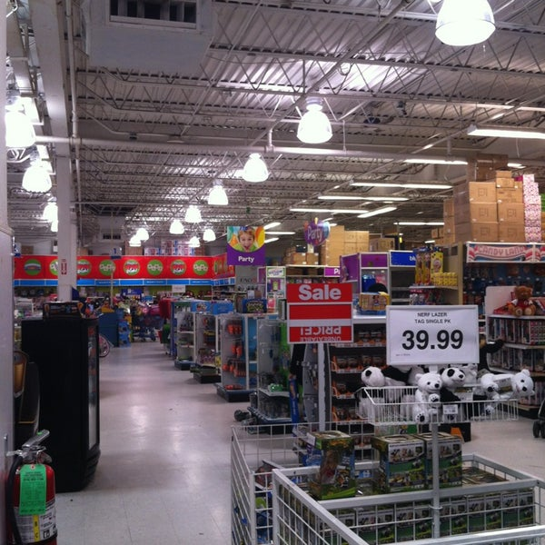 Toys Quot R Quot Us Now Closed Toy Game Store In Staten Island
