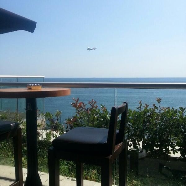 รูปภาพถ่ายที่ WalkIn Brasserie โดย Şükrü B. เมื่อ 7/14/2013