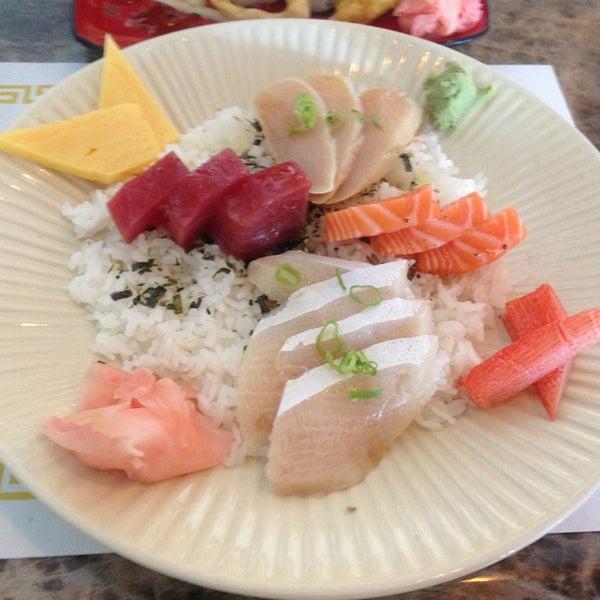 Photo taken at Sushi Tomo by Jennifer R. on 8/13/2013