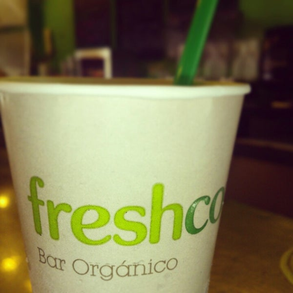 Photo taken at Freshco Bar Orgánico by Beatriz M. on 3/22/2013