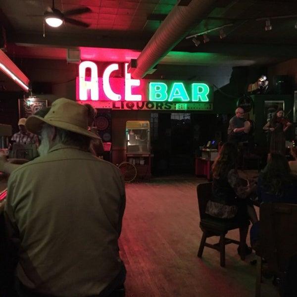 Photo taken at Dubliner Pub by Ryan O. on 7/1/2016