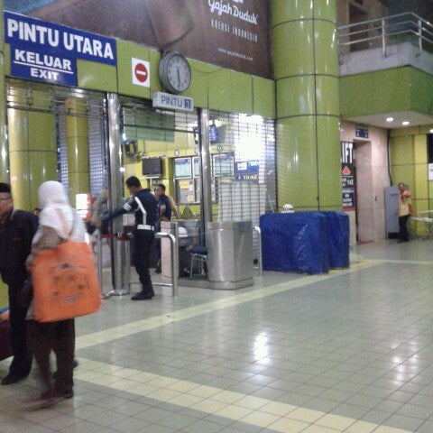 Photo taken at Stasiun Gambir by Asti D. on 11/30/2012