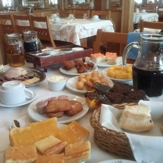 Foto tirada no(a) Bela Vista Café Colonial por Caroline C. em 12/20/2012