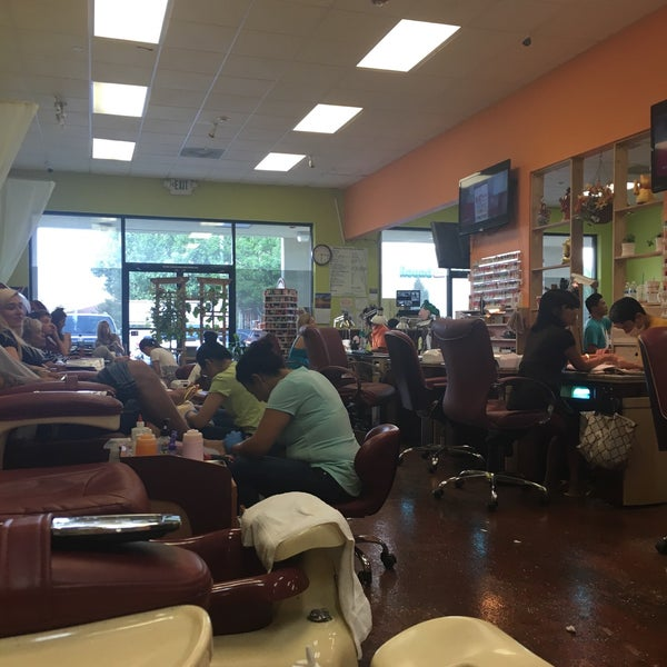 Happy Foot Nail and Spa - 195 Damonte Ranch Pkwy