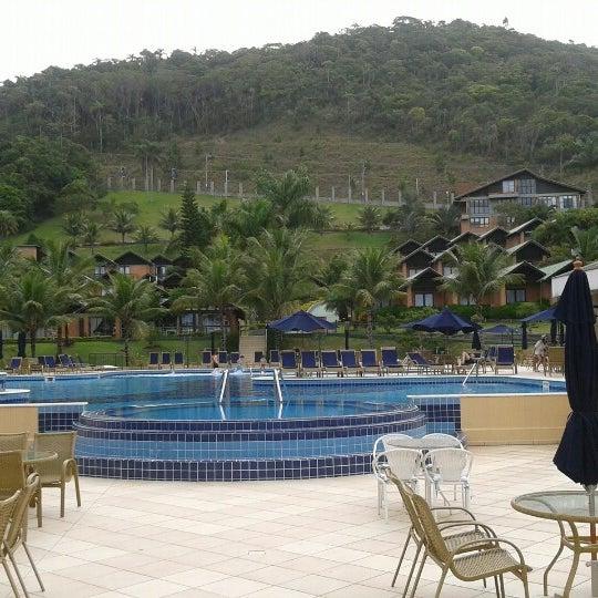 Foto tirada no(a) Infinity Blue Resort & Spa por Thiago D. em 12/1/2012