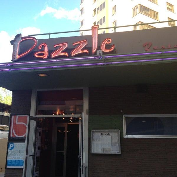 Foto tirada no(a) Dazzle por SHAYGY em 5/22/2013