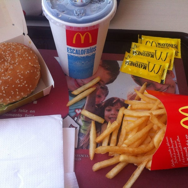 Photo taken at McDonald's by Carolina A. on 1/30/2014