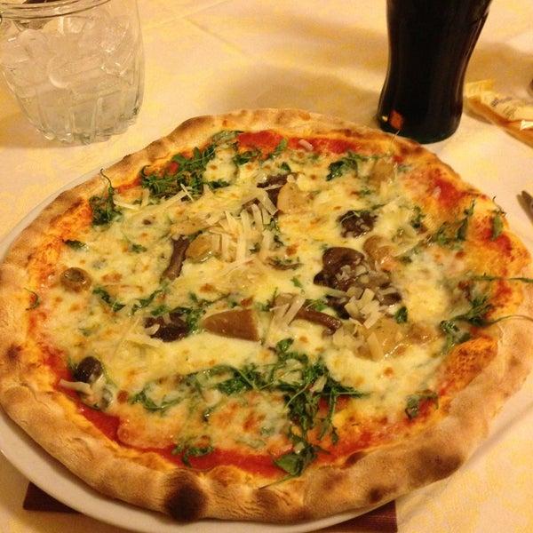 Photo prise au Pizzeria Cin Cin par H.Ibrahim G. le8/7/2013
