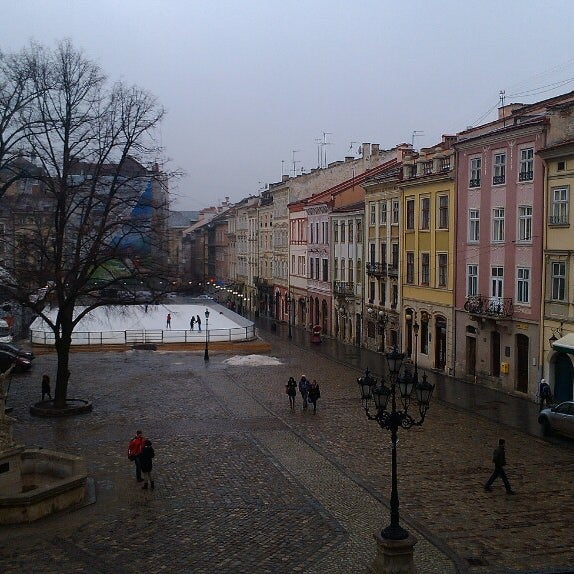 Снимок сделан в Площадь Рынок пользователем Nata H. 3/1/2013