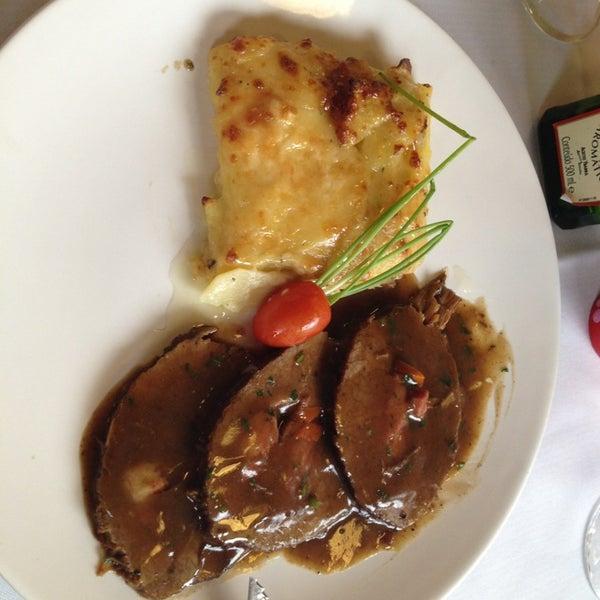 Foto tirada no(a) Zeffiro Restaurante por Rodrigo L. em 4/9/2013