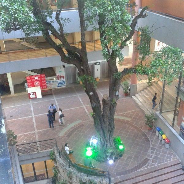 Foto tomada en Universidad Autónoma de Asunción por Livaesken el 3/8/2013