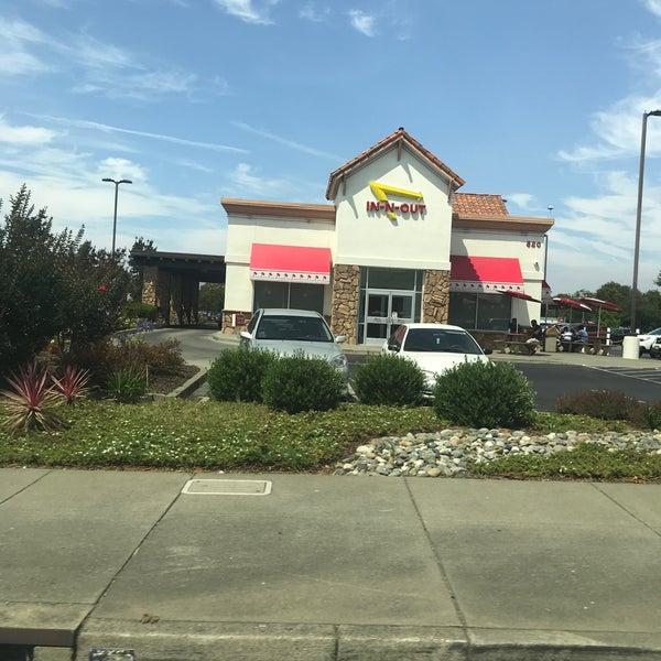 7/29/2018에 Nicole P.님이 In-N-Out Burger에서 찍은 사진
