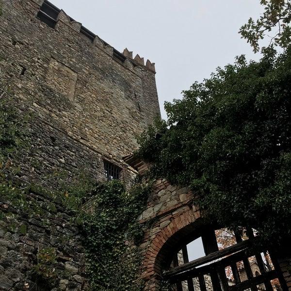 Foto scattata a Castello di Zavattarello da Tim P. il 11/4/2017