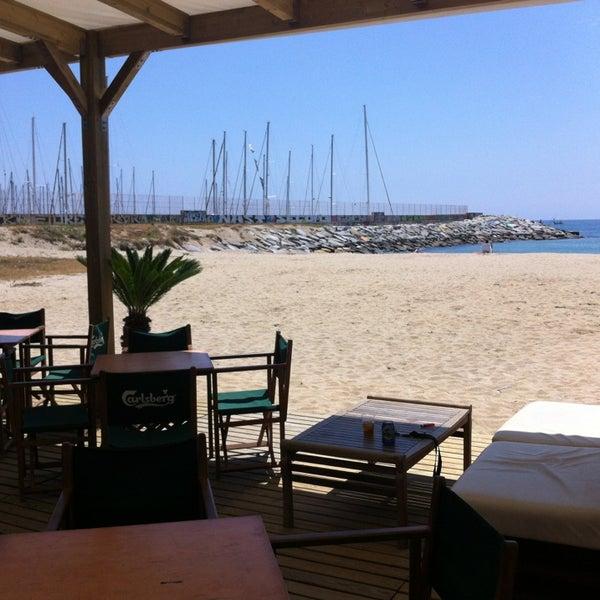 El mejor Beach Bar del Maresme. Playa, sol, música, mojitos, kaipiriñas