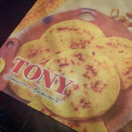 Foto tomada en Restaurante Tony por Luis Z. el 1/28/2013
