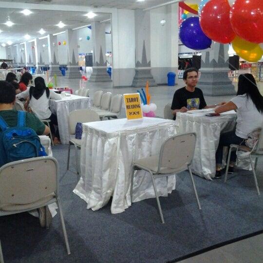 Das Foto wurde bei Jogja Expo Center (JEC) von Novalia P. am 2/9/2013 aufgenommen