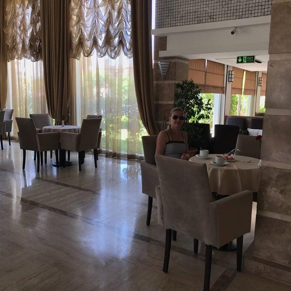 5/13/2018 tarihinde Наталья Ш.ziyaretçi tarafından Royal Atlantis Spa & Resort'de çekilen fotoğraf