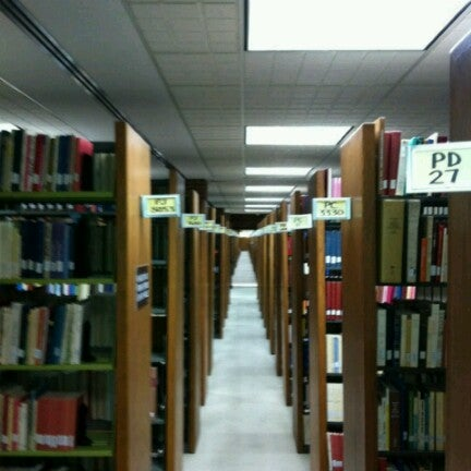 Photo taken at UWM Golda Meir Library by Man_Used👽👾👽 on 12/10/2012