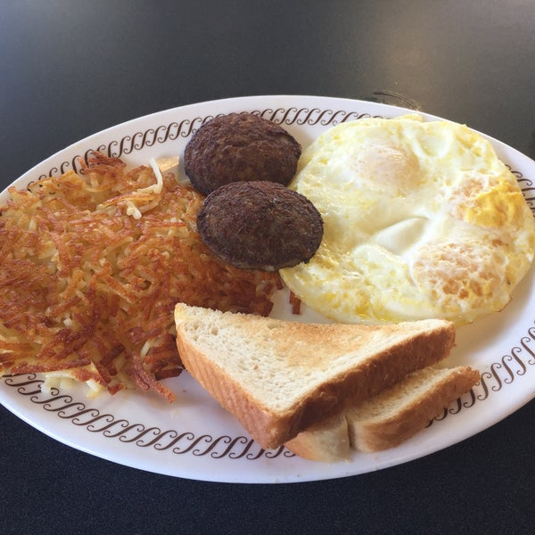 Photo taken at Waffle House by Charles S. on 7/13/2017