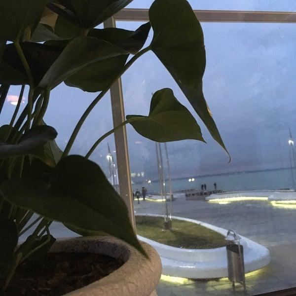 Снимок сделан в Terrace. Sea view пользователем Lora K. 11/29/2017
