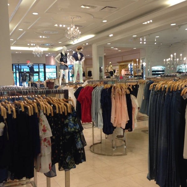 forever 21 clothing store in country club plaza