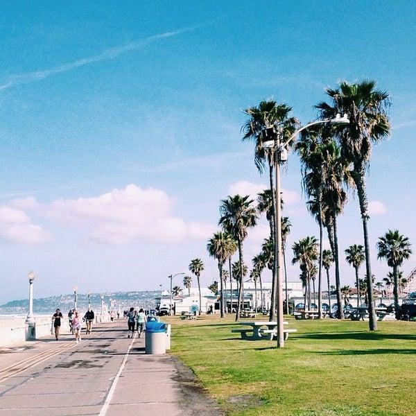 Foto tirada no(a) Mission Beach Park por Dariela C. em 3/28/2014