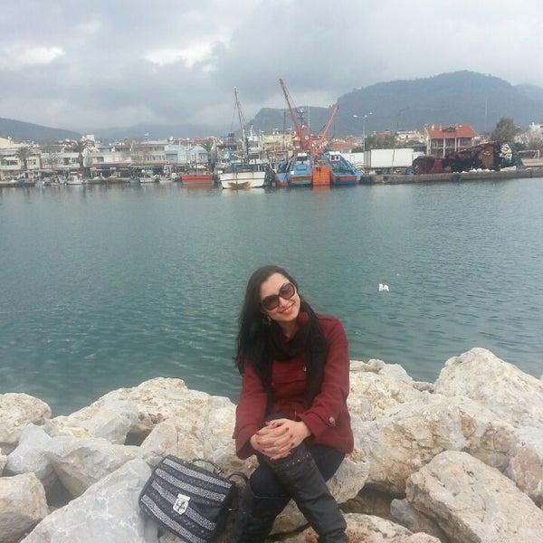 2/23/2013 tarihinde Emine K.ziyaretçi tarafından Küçükkuyu Limanı'de çekilen fotoğraf