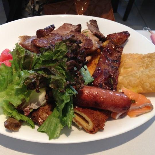 Foto tirada no(a) Paulinho's Grill por Petal W. em 11/29/2012