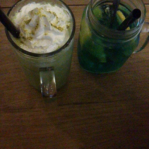 Photo taken at JAVA BEAN Coffee & Resto by Astri A. on 6/7/2013