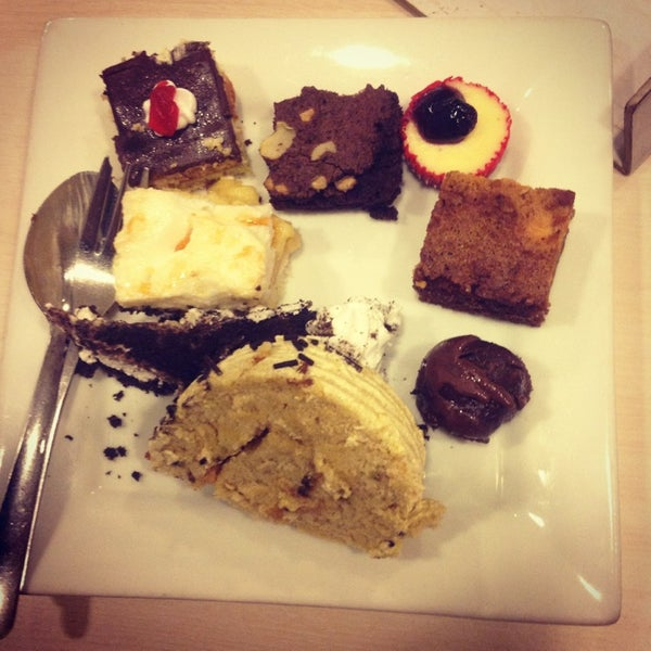 Photo taken at Love Desserts by Rio Ave P. on 4/27/2013
