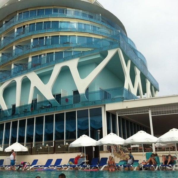 6/30/2013 tarihinde Umut C.ziyaretçi tarafından Vikingen Infinity Resort Hotel & Spa'de çekilen fotoğraf
